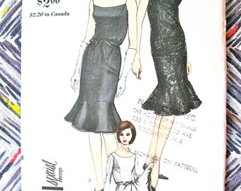 Uncut 1960s Vogue Special Design 6228 Vintage Sewing Pattern  Bust 34