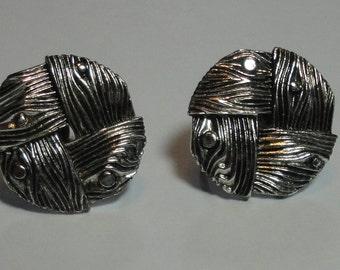 Vintage LISNER Silver Tone  Screw Back Earrings