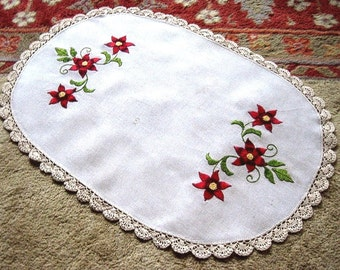 Tablecloth Runner Scarf Vintage Embroidered LINEN Flowers Embroidery Oval Lace