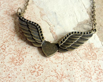 WInged Heart Necklace - Vintage Inspired Jewellery - Elegant Romantic Necklace - Love Symbol