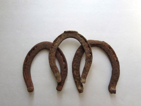 3 Vintage Horse Shoes Antique Horse Shoes Rustic Horse