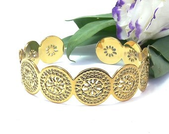 Gold Cuff Bracelet, Floral Design, Floral Gold Cuff, Cuff bracelet, Delicate Gold Bracelet, Gold Bangle, Modern jewelry