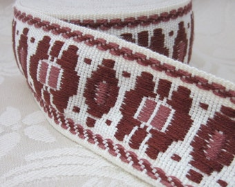 Brown and White Geometric Vintage Trim