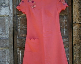 Coraly Pink Garden Party dress, with Scalloped neck line and hem size S