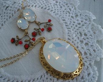 Luminous Swarovski White Opal Glass Gold Pendant Necklace Matching Earrings Set Demi Parure