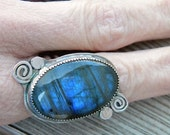 Labradorite and sterling silver statement ring - size 8.25