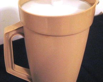 Retro Vintage Tupperware Pitcher 800-9, Beige, Servalier Lid, iced tea, lemonade, TheRetroLife