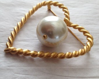 Big Love Brooch Large Dangling Faux Pearl