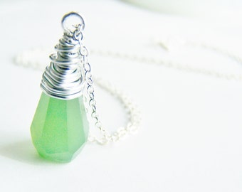 Jade Green - Stunning Green Glass Necklace - FREE shipping WAI - affordable quality jewelry - bridesmaid - beach weddings sale - Autumn