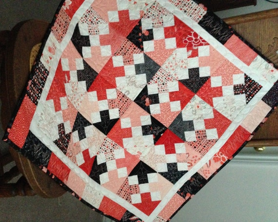 Table for Two Valentine Quilt Wall Hanging or by backporchquilts