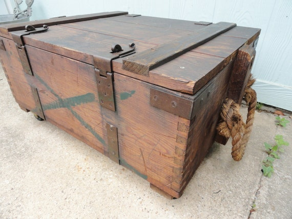 reserved for mjohns vintage trunk coffee table on wheels. Black Bedroom Furniture Sets. Home Design Ideas
