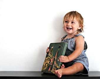 Vintage Magic Carpet Children's School Story Book