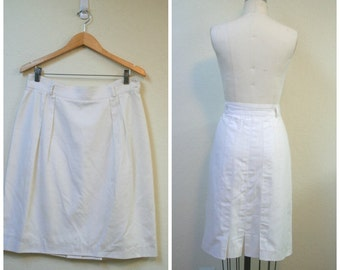 Vintage 1980s White skirt/ cotton pencil skirt/ pleated skirt size M to L Made in USA