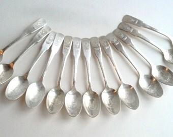 Vintage 13 Colonies Collectors Spoons