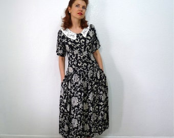 1960s Dress Cotton Paisley dress, Black and White Embroidery Collar Party Dress S
