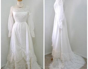 1950s Lace Sheer Chiffon Wedding Dress White Cahill Ltd. Beverly Hills Ruffles Short Train Bridal gown