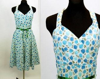 1940s sundress, halter dress, blue white, cotton dress, sweetheart neckline, circle skirt, full sweep, Size M