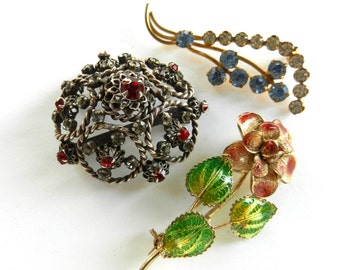 Collection of flowers brooches - vintage 1940/1950 -gold, silver, crystal, fine enamel decoration -Nice Mix of  brooches, 3pcs --Art.947/2 -