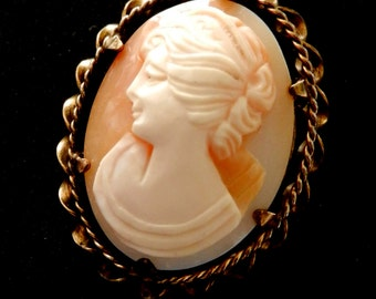 1930s Cameo Antique, Victorian English - vintage high quality -genuine shell cameo brooch/pendant  and ROLLED GOLD frame--Art. 115/3 -
