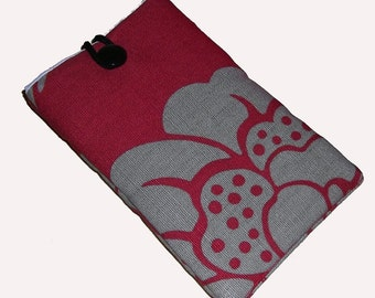 Red RETRO Mobile Cellphone Ipod Gadget Case Pouch Sock PADDED Gift Idea
