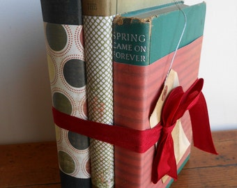 Vintage Book Stack / Red and Green /