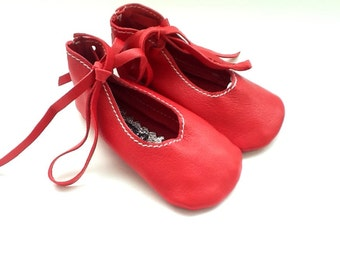 Baby ballet shoes in red lambskin