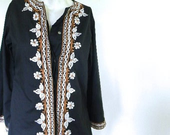 vintage.  Black Embroidered Tunic Blouse / Jacket  // S to M