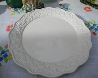 Vintage Wedding Table Settle Waffle Weave Ceramic Plates