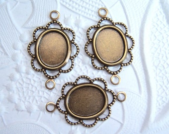 3 - 10x8mm Antiqued brass filigree lace edge cabochon setting connectors -  GW99