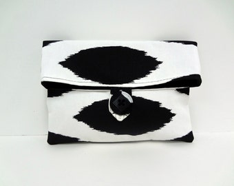Ready to Ship Premier Prints Black Bridesmaid Clutch in Ikat Print Black and White Wedding Bridesmaid Gift