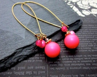 Neon Pink Dangly Earrings -- Pink & Gold Dangle Earrings -- Pink Swarovski Pearl Earrings -- Bright Pink Earrings