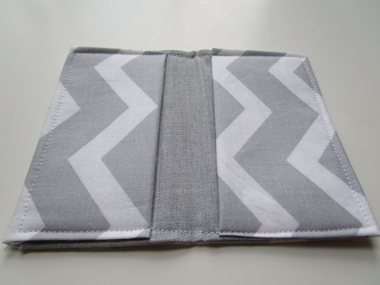 Chevron credit card wallet gray and white chevron business card chevron credit card wallet gray and white chevron business card holder gift card colourmoves
