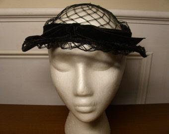 Vintage 1960's Black Velvet Hat