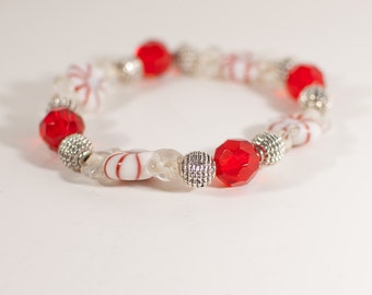 Red and White Christmas Candy Glass Beaded Stretch Bracelet