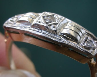 Antique Art Deco Three Diamond Gold Ring sz 6.5