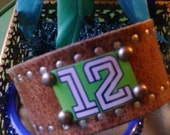 Seattle Seahawks 12th Man Studded Brown Leather Cuff Bracelet med, large