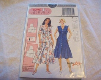 Burda 4281 Dress to fit patterns. Pattern in English, Francais, and Nederlands