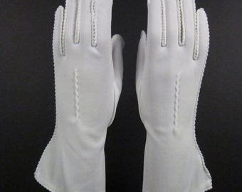 6-1/2-Vintage white dress/prom/church gloves-10-1/2 inches long(309g)