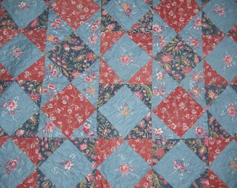"""Quilted Patchwork Wallhanging Vintage Cotton Fabrics 34"""" x 34"""""""