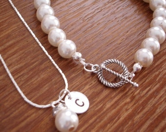 4 Simple Elegant Pearl and Initial Disc Necklace and Pearl Bracelet Sets - Wedding, Bridesmaid Jewelry Gifts, Bridesmaid Gift