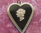 MERCURY HEAD HEART Pendant, Metal and Plastic/Compo, Vintage Costume, Fashion Jewelry