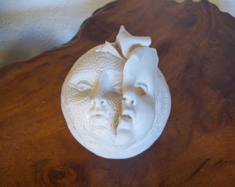 3 Faces - Porcelain sculptured hinged Box w/ wonderfully decorated inside by Genald Gedekes NW artist -