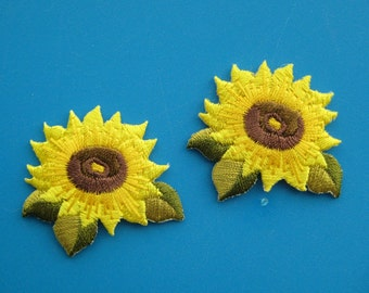 Sale~ 2 pcs Iron-On embroidered Patch SUNFLOWER 1.5 inch
