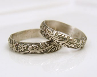 Floral and leaf patterned sterling silver ring