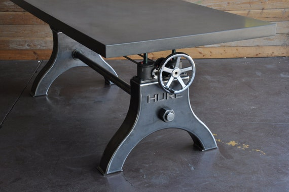 Vintage industrial hure crank dining table by - Table ronde industrielle ...
