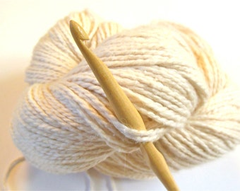 """Trai Crochet Hook, size 7 (4.50 mm) --- one 6"""" hook, sustainably made"""