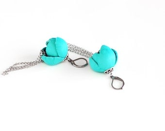 Blue flower leather earrings with chain charm