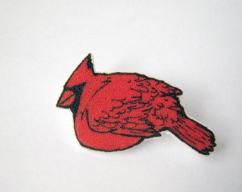 Cardinal birdie brooch pin badge red