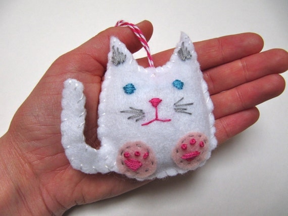 Items similar to Personalized Cat Christmas Ornament, Felt ...