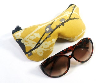 Curves Aviary 2 Sparrows Vintage Yellow Eyeglass Case, Sunglasses Pouch, Sunglasses Case, Zippered Eye Pouch
